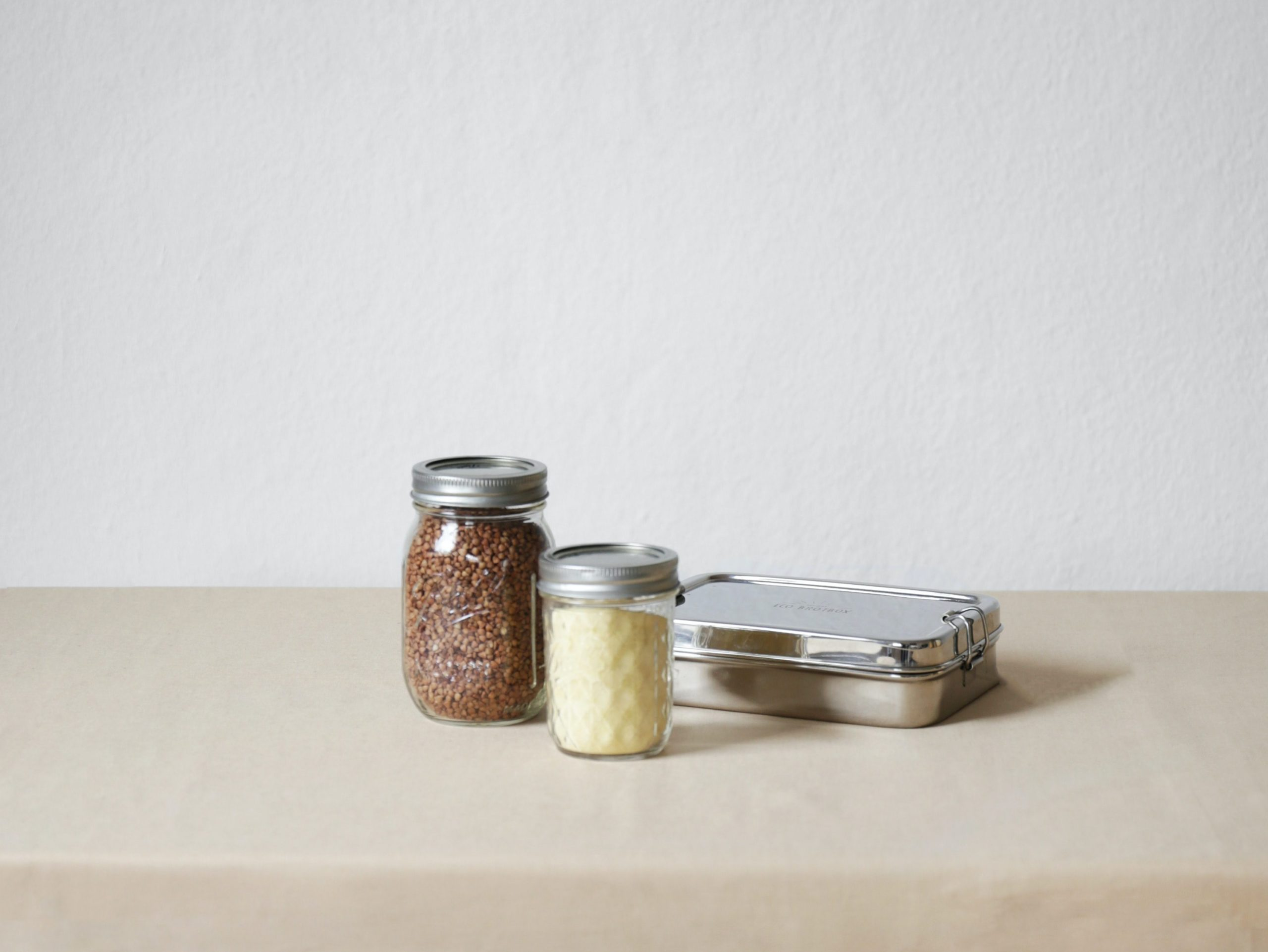 glass jars with metal lids, metal to go container